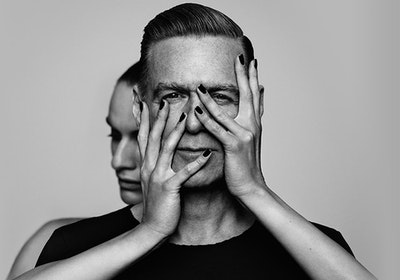 Bryan Adams Image